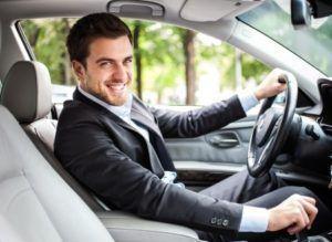 Julien, conseiller en achat de voiture