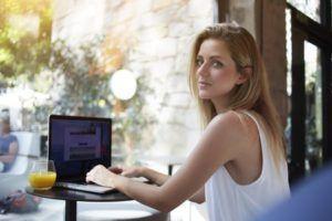 Découvrez un service en ligne pour gagner de l'argent en écrivant des articles