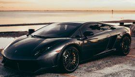 Est-ce qu'un travail à domicile peut vous payer cette Ferrari ?