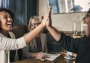 Les femmes et le travail à domicile : pourquoi les femmes réussissent