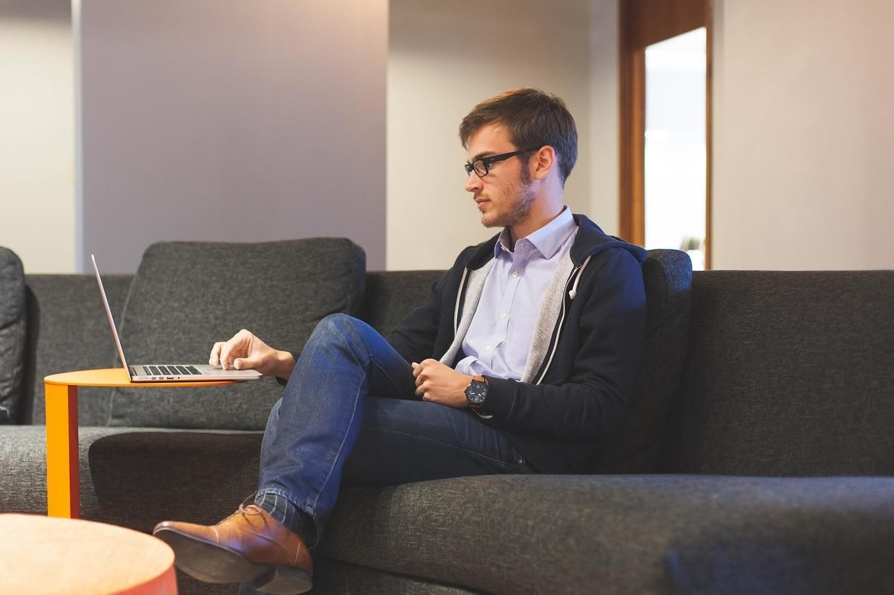 travailler de chez soi, cela aide à la productivité et à l'équilibre